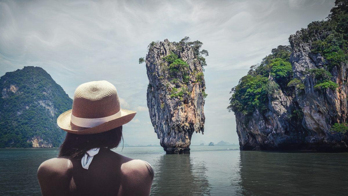 instagram travel influencers